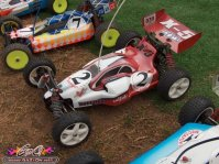 Lire l'article EC 2005 - day 5 - 4wd race : Qualifying pictures | Photos des qualifications